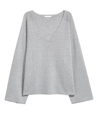 H&M V-neck Sweater • H&M • $14.99